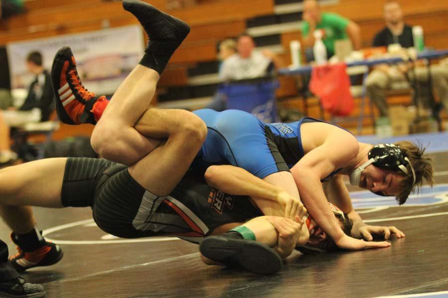 Tanner Bogenhagen wrestling opponent from Clay Center
