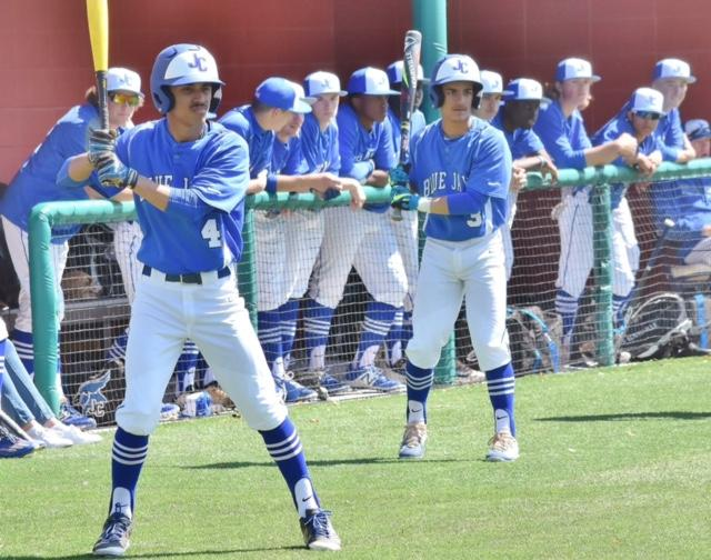 Blue Jays Split With The Buffaloes