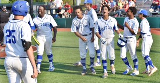 Blue Jays Split With Heights