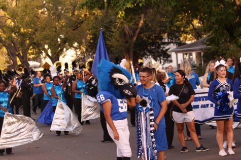 Photos: Homecoming Parade Shows School Spirit