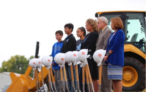 Students, staff, and members of the school board at the ground breaking ceremony.