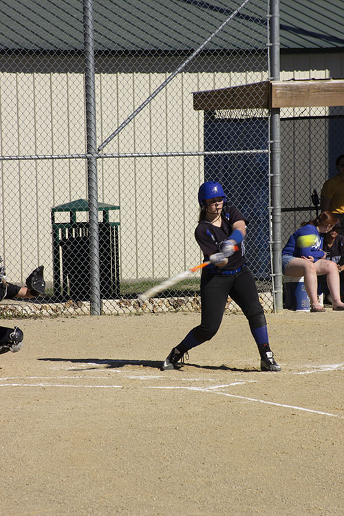 Meghan+Hunt+%2810%29+at+bat+for+the+Lady+Jays+softball+team+against+Shawnee+%0AMisson+West.
